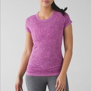 Lululemon Swiftly Tech Shortsleeve